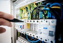 עבודות חשמל ואינסטלציה